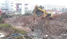 Huyện An Dương: Cắt đê Tả Lạch Tray phục vụ thi công xây mới cống Hoàng Lâu