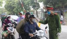 Xử phạt 142 trường hợp không đeo khẩu trang nơi công cộng, 1 trường hợp tụ tập đông người tại quận Ngô Quyền