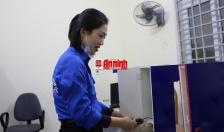Bí thư Đoàn phường tiên phong sáng tạo máy rửa tay tự động diệt khuẩn