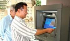 22.687 người đã nhận lương hưu và trợ cấp BHXH tháng 4, 5 qua ATM