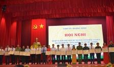 Khen thưởng các tập thể, cá nhân có thành tích xuất sắc trong 4 năm thực hiện Chỉ thị 05-CT/TW của Bộ Chính trị