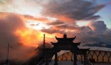 Mùa Vu Lan , du khách tìm về Fansipan Sa Pa bái Phật, cầu an