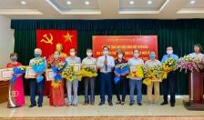 Quận ủy Ngô Quyền: 237 đảng viên nhận huy hiệu Đảng đợt 2-9