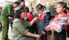 Báo ANHP- Công ty CP XNK và xây dựng Bạch Đằng - Công ty xổ số điện toán Việt Nam chi nhánh Hải Phòng: Một chuyến thiện nguyện về nguồn