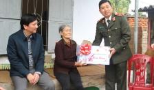 Thiếu tướng Vũ Thanh Chương - Ủy viên BTV Thành ủy, Giám đốc CATP:  Thăm, tặng quà nhân dịp Tết Nguyên đán Tân Sửu 2021
