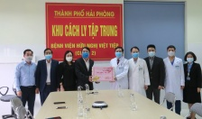 Lãnh đạo thành phố ghi nhận những đóng góp quan trọng của các cán bộ, y bác sĩ, nhân viên y tế Bệnh viện Hữu nghị Việt Tiệp