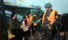 Cứu nạn kịp thời 3 người dân trên tàu cá gặp nạn trên biển