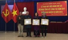 Phường Đồng Quốc Bình: Trao huy hiệu 30 năm tuổi Đảng trở lên cho 11 Đảng viên