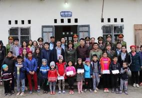 Báo An ninh Hải Phòng - Vietinbank Lê Chân - CAP Lạch Tray: Trao yêu thương tới trẻ em nghèo vùng cao