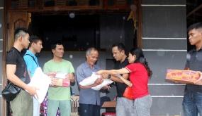 Phòng Cảnh sát Hình sự CATP và các nhà hảo tâm Hải Phòng hỗ trợ người dân Miền Trung