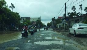 Người dân khổ sở vì thi công chậm tiến độ Tỉnh lộ 354 đoạn thuộc huyện Tiên Lãng
